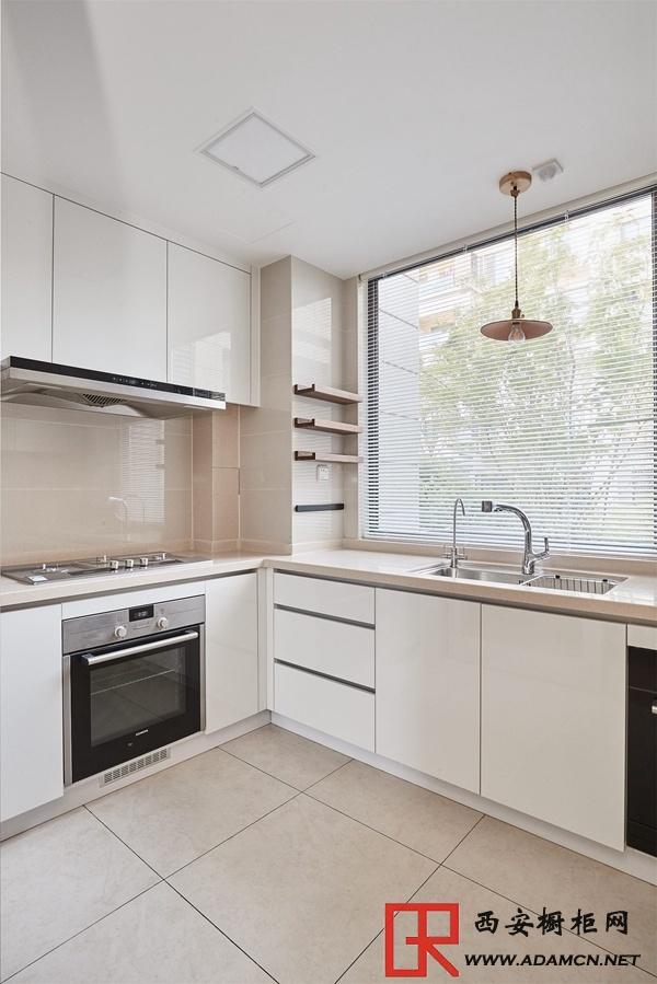 厨房装修整体橱柜效果图欣赏,提升厨房格调从颜色做起