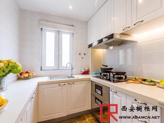 小户型厨房怎么装修显档次?